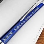 grawerowana dedykacja na długopisie