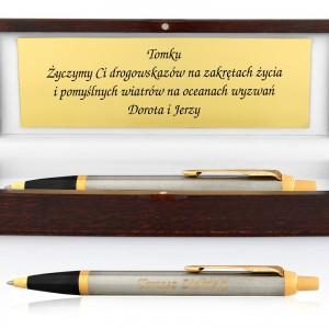 długopis parker z grawerem w pudełku