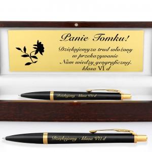 długopis z grawerem w pudełku na prezent dla nauczyciela geografii
