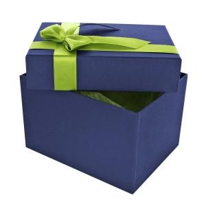 eleganckie pudełko prezentowe z kokardą
