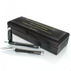 indywidualny grawer na piórze i długopisie