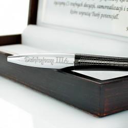 grawerowany długopis z dedykacją dla nauczyciela